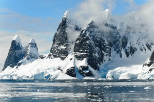antarctic-mountains-1