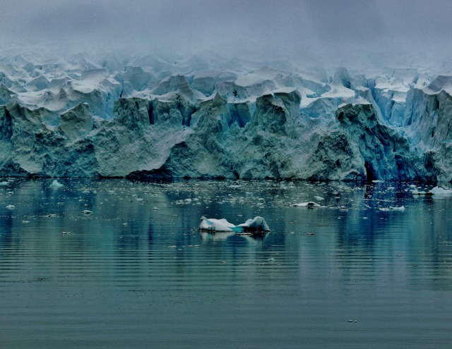 antarctic-mountains-2